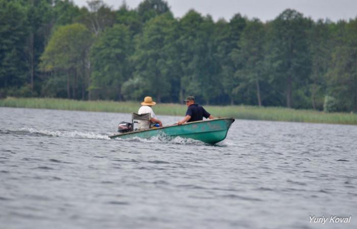 Рибалки вертаються додому