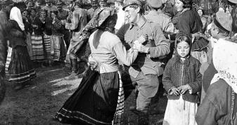 Партнерами у волинянок під час танців були жовніри