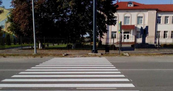 У Смідинській громаді провели роботи з нанесення розмітки пішохідних переходів.