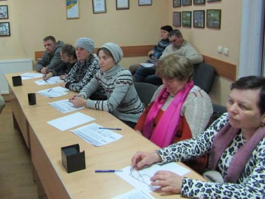 Селянам Старовижівщини розповіли про перспективу створення сімейних молочних ферм