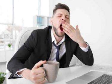Прості способи впоратися з денною сонливістю