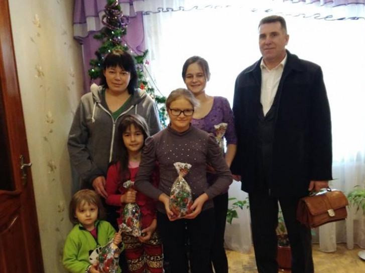 Петро Муравчук разом із сім'єю з Кримного