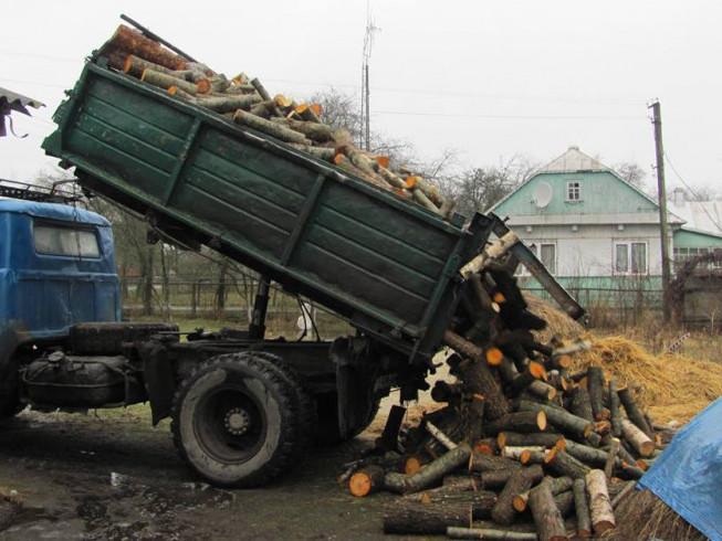 Машина дров для бійця