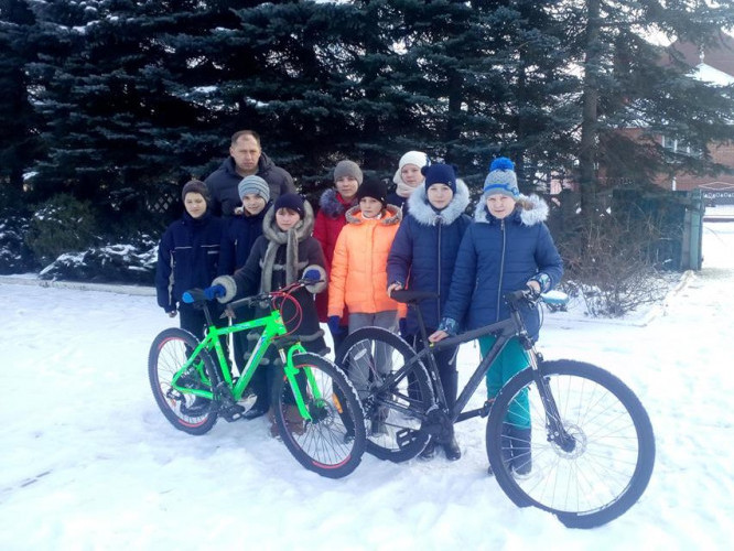 Старовижівські туристи з новими велосипедами