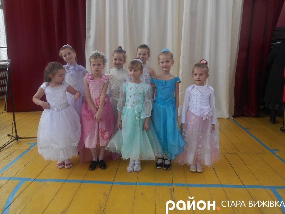 Танці від дівчаток