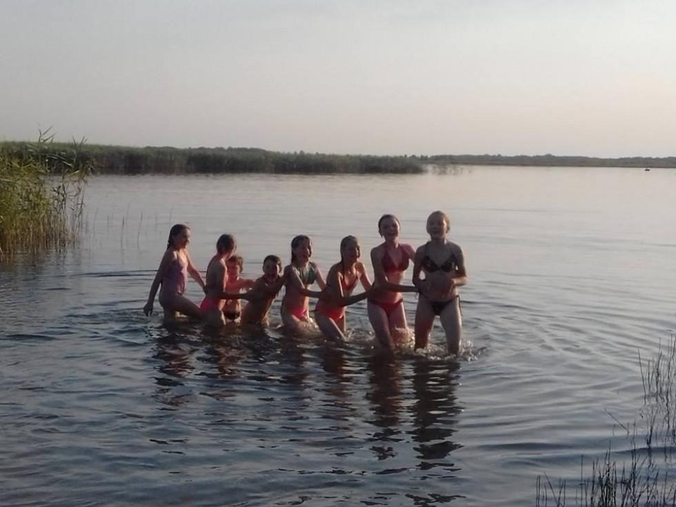 Під час купання в озері
