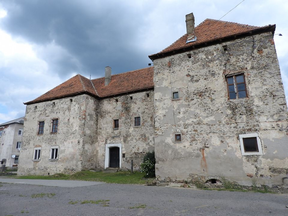 Замок Сент-Міклош. смт. Чинадійово( Закарпатська обл)