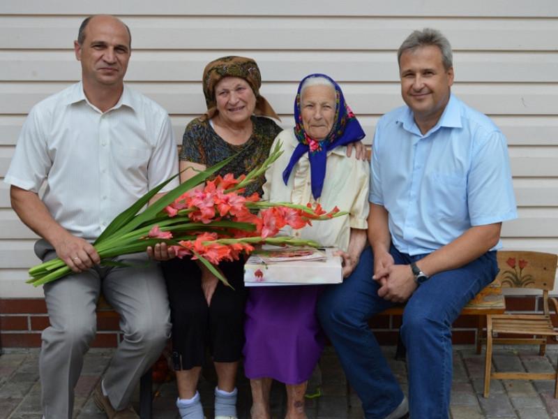 Старовижівчанку привітали зі 100 літнім ювілеєм