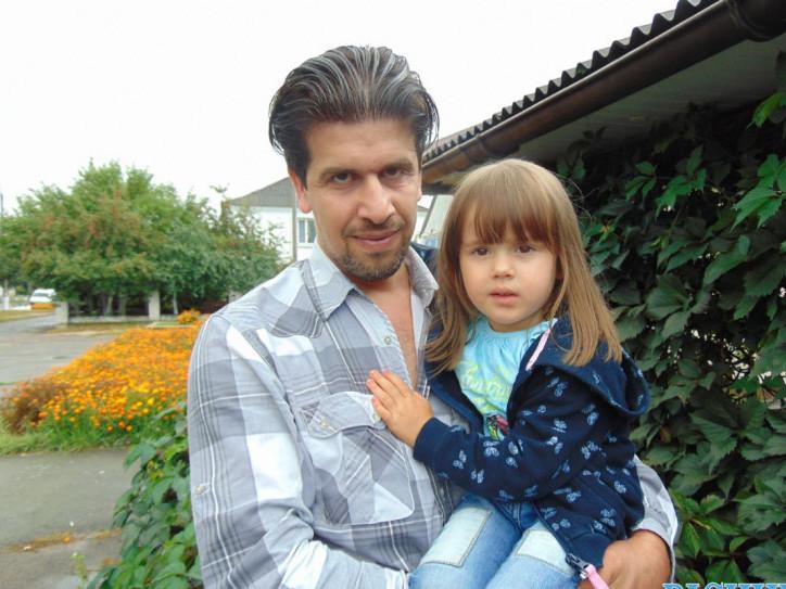 Мажджб Абет з донькою Талією